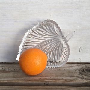 Vintage | Pressed Glass Leaf Dish